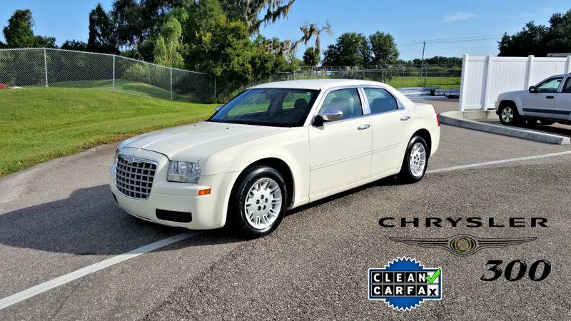 2007 Chrysler 300  CLEAN CARFAX  | Palmetto, FL | EA Motorsports in Palmetto, FL
