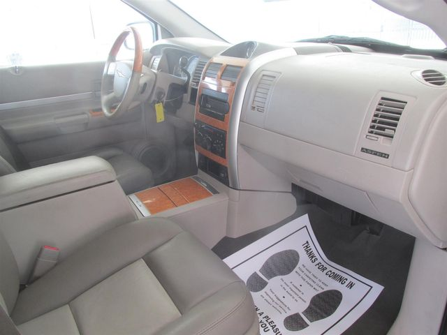 2007 Chrysler Aspen Limited Gardena, California 7