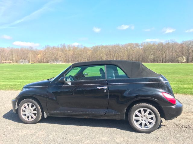 2007 Chrysler PT Cruiser Convertible Ravenna, Ohio 1