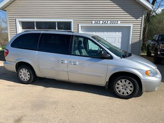 2007 Chrysler Town &38; Country LX in Clinton, IA 52732