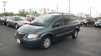 2007 Chrysler Town &38; Country Touring in Coal Valley, IL 61240