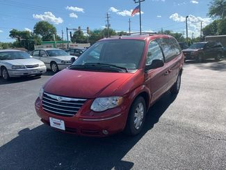 2007 Chrysler Town &38; Country Limited in Coal Valley, IL 61240