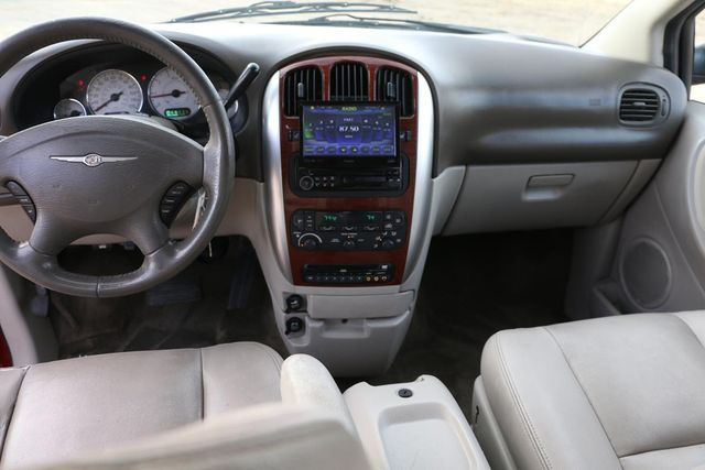 2007 Chrysler Town & Country Limited Santa Clarita, CA 7