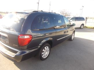 2007 Chrysler Town & Country Touring Shelbyville, TN 12