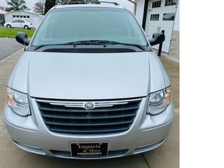 2007 Chrysler Town and Country Touring Imports and More Inc  in Lenoir City, TN