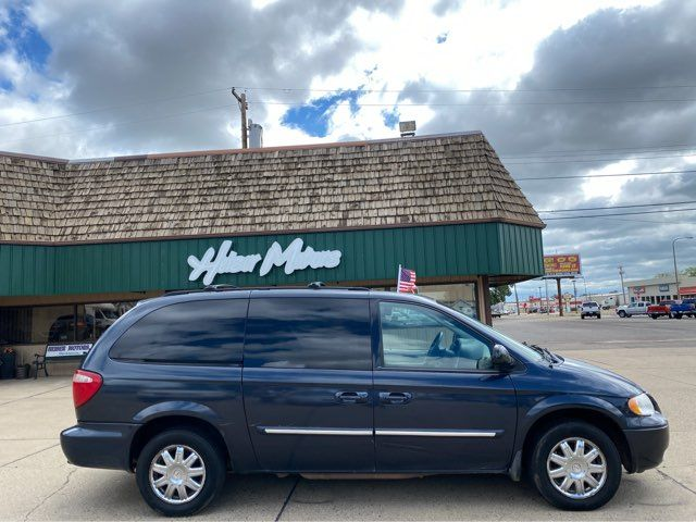 2007 Chrysler Town & Country Touring in Dickinson, ND 58601