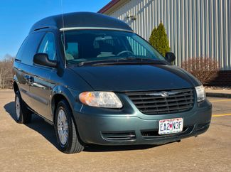 2007 Chrysler Town & Country LX Wheelchair Van in Jackson, MO 63755