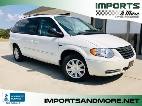 2007 Chrysler Town & Country Touring SE in Lenoir City, TN