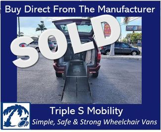 2007 Chrysler Town & Country Lx Wheelchair Van Handicap Ramp Van in Pinellas Park, Florida 33781