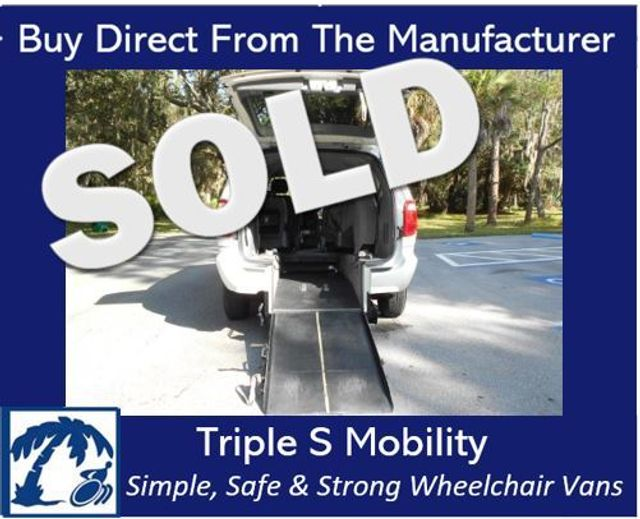 2007 Chrysler Town & Country Lx Wheelchair Van Handicap Ramp Van Pinellas Park, Florida
