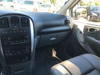2007 Chrysler Town & Country Touring Ravenna, Ohio 10