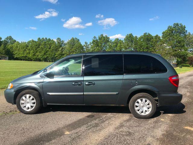 2007 Chrysler Town & Country Touring Ravenna, Ohio 1