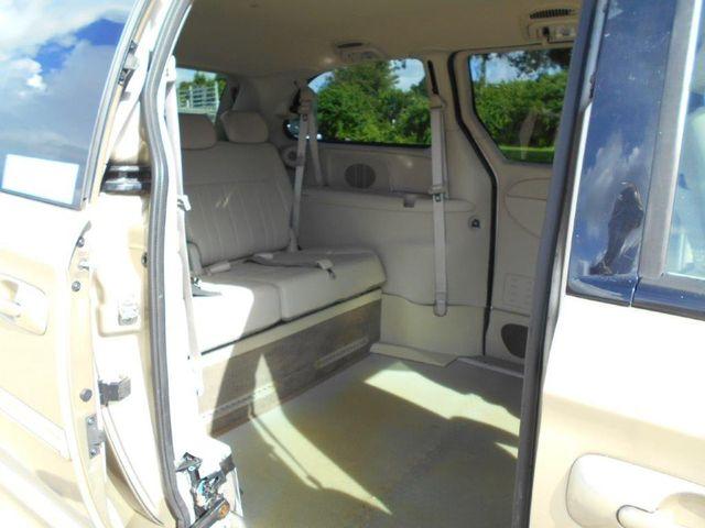 2007 Chrysler Town & Country Touring Wheelchair Van Pinellas Park, Florida 10