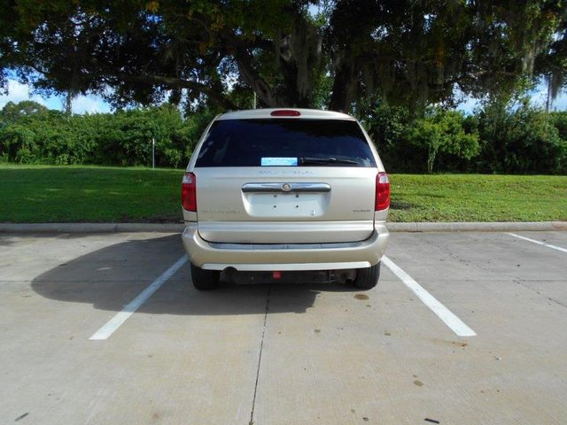 2007 Chrysler Town & Country Touring Wheelchair Van Pinellas Park, Florida 4