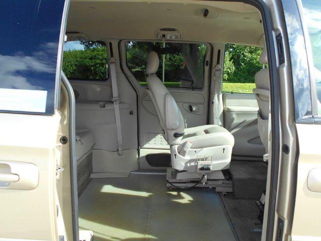 2007 Chrysler Town & Country Touring Wheelchair Van Pinellas Park, Florida 8