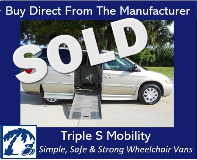 2007 Chrysler Town & Country Touring Wheelchair Van Pinellas Park, Florida