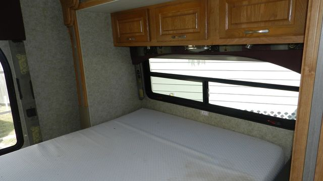 2007 Coachmen CONCORD 300TS Hudson , Florida 13