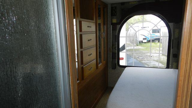 2007 Coachmen CONCORD 300TS Hudson , Florida 17