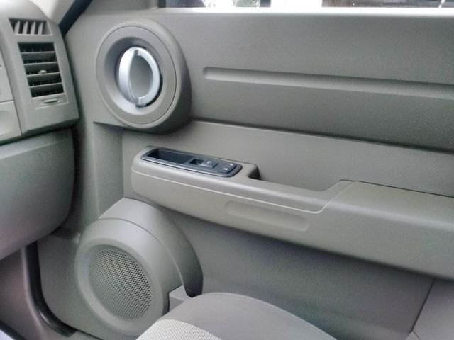 2007 Dodge Nitro SXT Houston, Mississippi 14