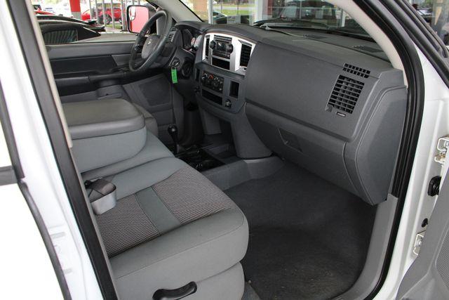 2007 Dodge Ram 2500 SLT Quad Cab Long Bed 4X4 THUNDERROAD - 5.9L! Mooresville , NC 31