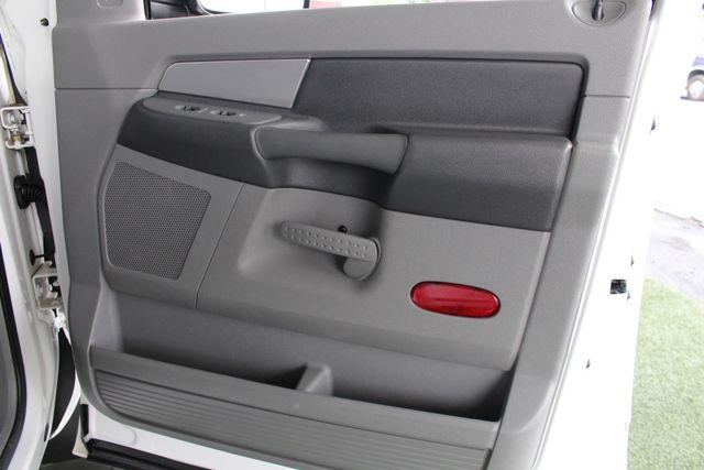 2007 Dodge Ram 2500 SLT Quad Cab Long Bed 4X4 THUNDERROAD - 5.9L! Mooresville , NC 37