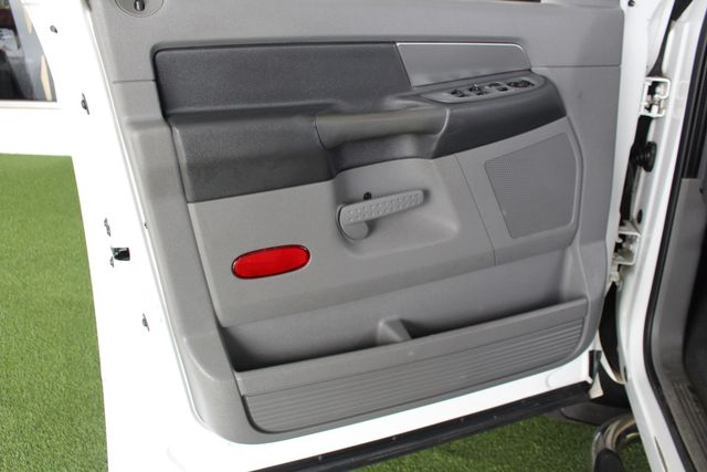 2007 Dodge Ram 2500 SLT Quad Cab Long Bed 4X4 THUNDERROAD - 5.9L! Mooresville , NC 36