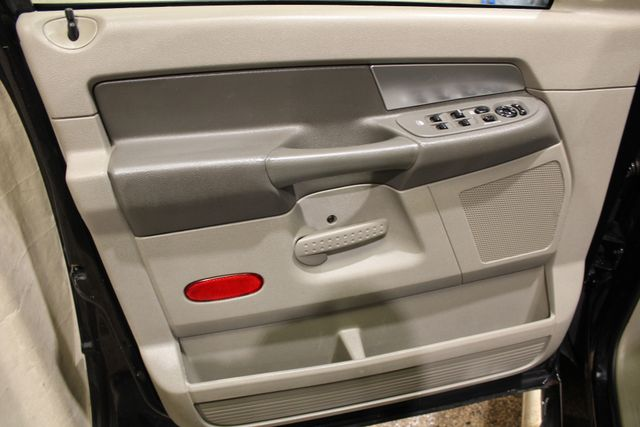 2007 Dodge Ram 2500 SLT in Roscoe IL, 61073