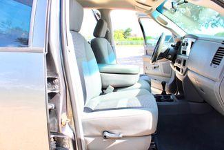 2007 Dodge Ram 2500 SLT Quad Cab 4X4 5.9L Cummins Diesel Auto Sealy, Texas 44