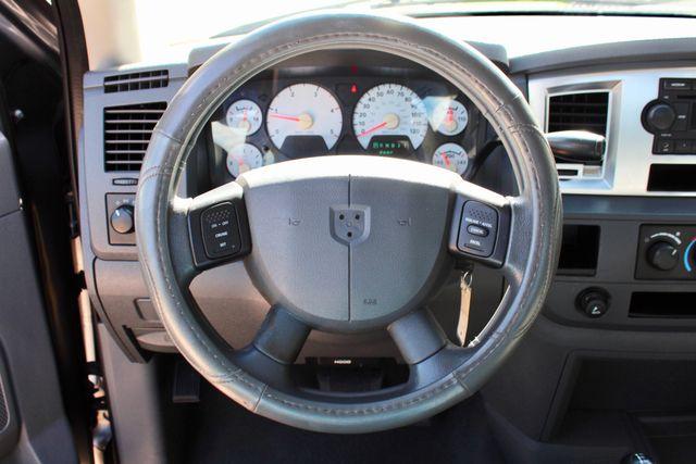 2007 Dodge Ram 2500 SLT Quad Cab 4X4 5.9L Cummins Diesel Auto Sealy, Texas 50