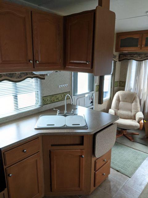 2007 Dutchmen DENALI 28RL in Mandan, North Dakota 58554