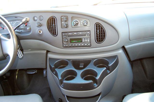 2007 Ford 15 Pass. XL Charlotte, North Carolina 15