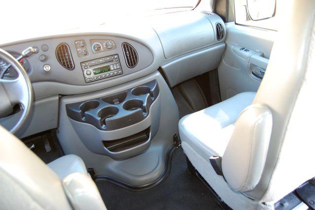2007 Ford 15 Pass. XL Charlotte, North Carolina 16