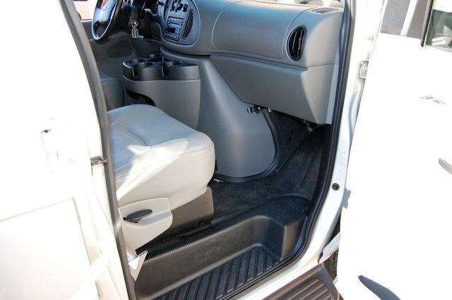2007 Ford 15 Pass. XL Charlotte, North Carolina 6