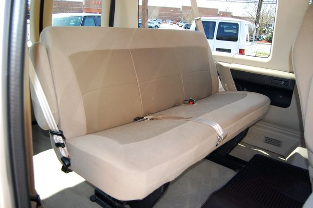 2007 Ford E150 Chateau Charlotte, North Carolina 9