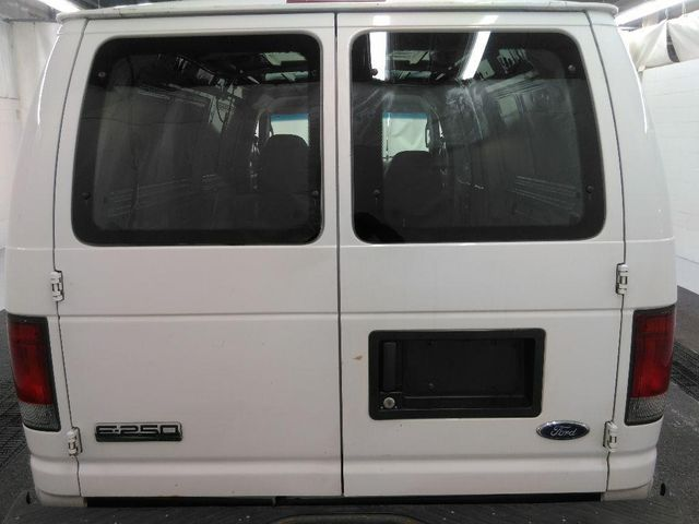 2007 Ford Econoline Base in St. Louis, MO 63043