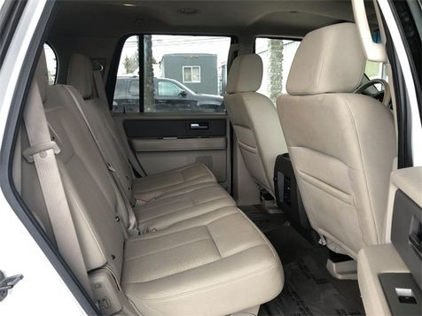 2007 Ford Expedition XLT 4x4 V8 3rd Row 8 Pass. We Finance | Canton, Ohio | Ohio Auto Warehouse LLC in Canton, Ohio