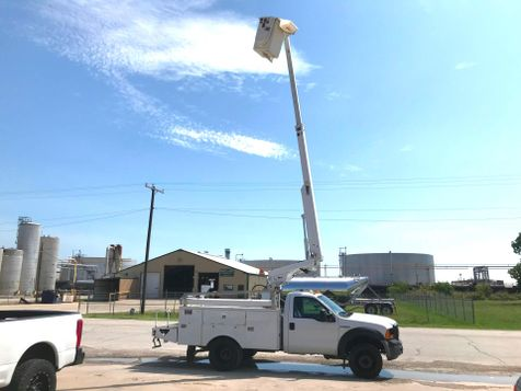 2007 Ford F450 BUCKET TRUCK   in Fort Worth, TX