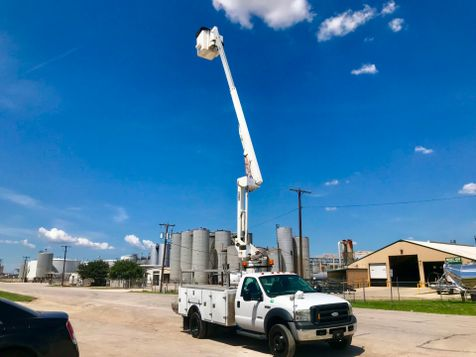 2007 Ford F550 BUCKET TRUCK  in Fort Worth, TX
