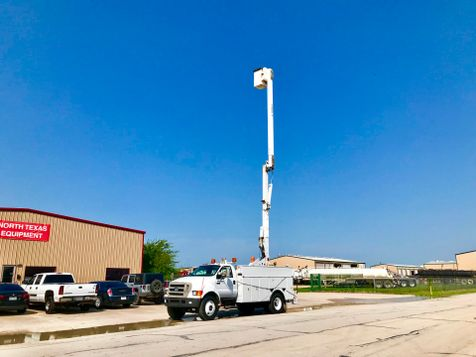 2007 Ford F750 BUCKET TRUCK   in Fort Worth, TX