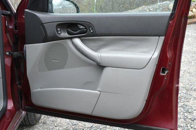 2007 Ford Focus SE Naugatuck, Connecticut 12