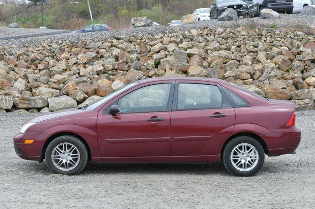 2007 Ford Focus SE Naugatuck, Connecticut 3