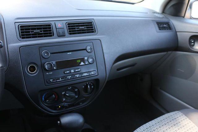 2007 Ford Focus SE Santa Clarita, CA 19