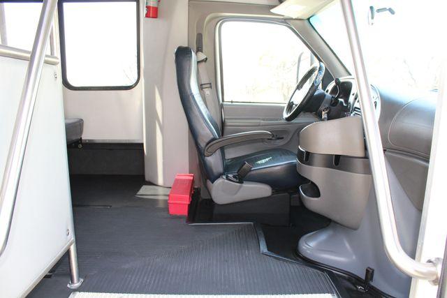 2007 Ford E350 15 Passenger Starcraft Shuttle Bus Irving, Texas 15