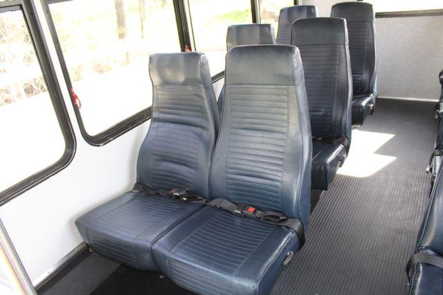 2007 Ford E350 15 Passenger Starcraft Shuttle Bus Irving, Texas 21