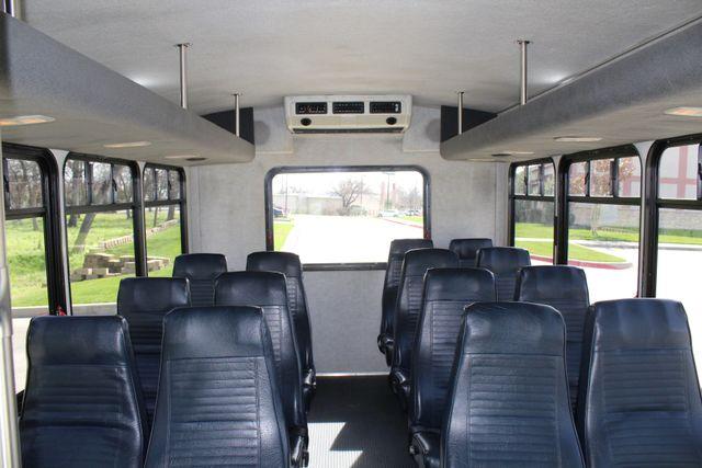 2007 Ford E350 15 Passenger Starcraft Shuttle Bus Irving, Texas 24