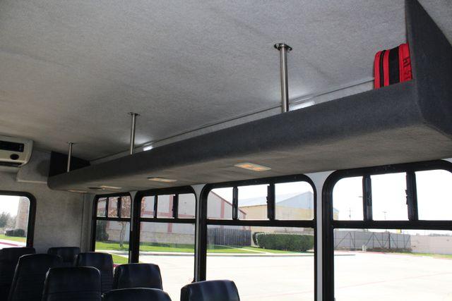 2007 Ford E350 15 Passenger Starcraft Shuttle Bus Irving, Texas 27