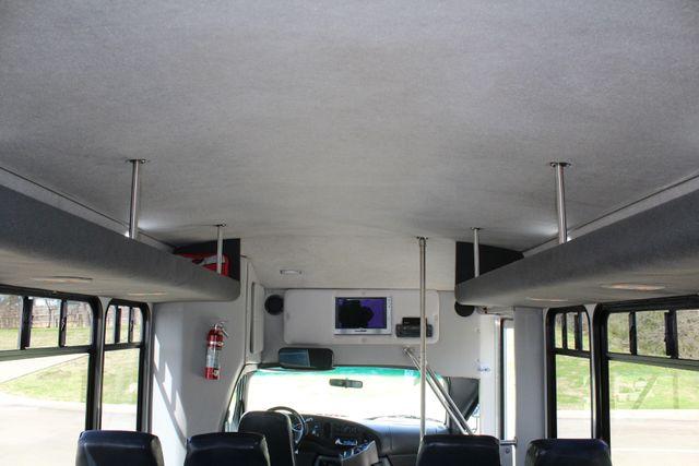 2007 Ford E350 15 Passenger Starcraft Shuttle Bus Irving, Texas 34