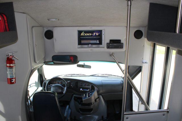 2007 Ford E350 15 Passenger Starcraft Shuttle Bus Irving, Texas 35