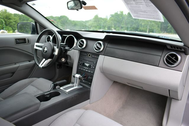 2007 Ford Mustang Deluxe Naugatuck, Connecticut 10