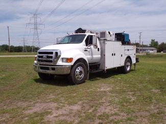 2007 Ford Super Duty F-750 Straight Frame Ravenna, MI 1